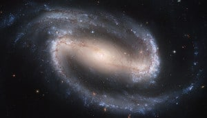 La galaxia espiral barrada NGC 1300. Crédito: NASA, ESA, and The Hubble Heritage Team STScI/AURA)