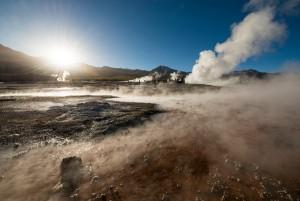 Esta imagen muestra el vapor alzándose en El Tatio, la región del desierto de Atacama en la que hay hasta 80 géiseres. Crédito: Ben Pipe Photography/Corbis