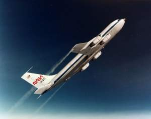 Un avión de la NASA para vuelos parabólicos. Crédito: NASA