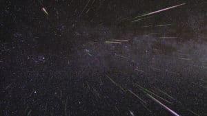 Esta imagen es de agosto de 2009, cuando se produjo un pico de actividad de las Perseidas similar al que se espera el 11 y 12 de agosto de 2016. Crédito: NASA/JPL