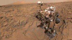 El rover Curiosity haciéndose un autorretrato sobre la superficie de Marte. Crédito: NASA