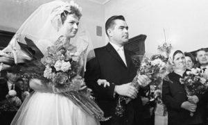 Imagen de la boda entre los cosmonautas Valentina Tereshkova y Andriyan Nikolayev, el 3 de noviembre de 1963. Crédito: RIA Novosti Archive/Alexander Mokletsov