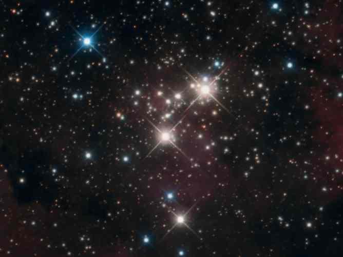 El cúmulo abierto NGC 6910. Crédito: Steve Pastor