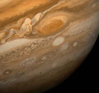 La Gran Mancha Roja de Júpiter, fotografiada por la sonda Voyager 1. Crédito: NASA