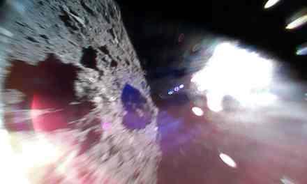 Dos rovers aterrizan en la superficie del asteroide Ryugu
