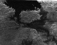Het ontdekte meer op Titan