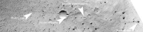 Een kei die een heuvel is afgerold op Mars