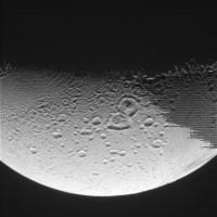 Foto van Enceladus door Cassini genomen