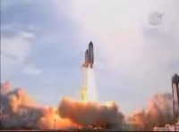 De Endeavour tijdens de lancering
