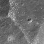 Een prachtige 'hole in one' op de Maan