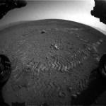 Banden Curiosity laten morsecode in Marsbodem achter