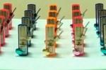 Video: 32 metronomen die ze synchroon laten lopen