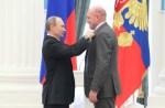 Poetin reikt Russische Orde van de Vriendschap uit aan André Kuipers