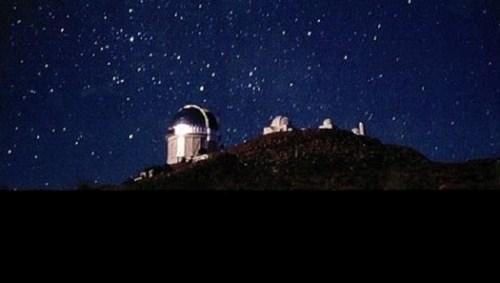 Het Cerro-Tololo Inter-American Observatorium, van waaruit DES wordt uitgevoerd