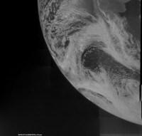 De aarde, gefotografeerd door JUNO (Credit: NASA/JPL/SwRI/MSSS/Ken Kremer)
