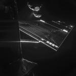 Een prachtige selfie van Rosetta/Philae met komeet 67P en een streamer