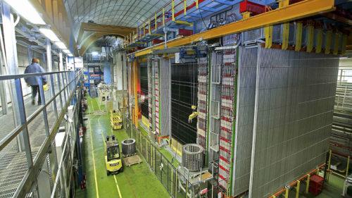 De grote OPERA neutrino-detector in Itali </p srcset=