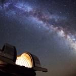 De 'biljoen planeten speurtocht' naar leven in het Andromedastelsel is begonnen