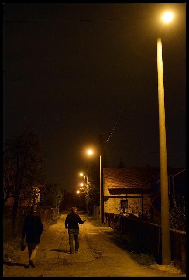 43 luksa ispod lampe u malenoj sporednoj ulici