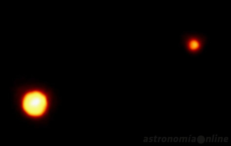 Esta fotografía es una de las mejores que se han conseguido hasta el momento de Plutón y su mayor satélite, Caronte. Fue obtenida por el Telescopio Espacial Hubble en febrero de 1994. Créditos: Dr. R. Albrecht, ESA/ESO Space Telescope European Coordinating Facility; NASA.