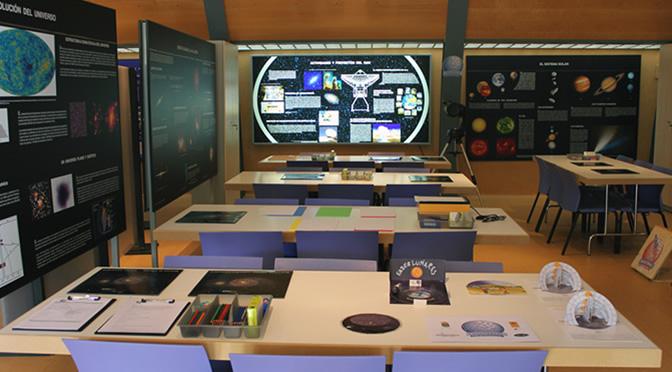 Cursos de astronomía presenciales y en línea