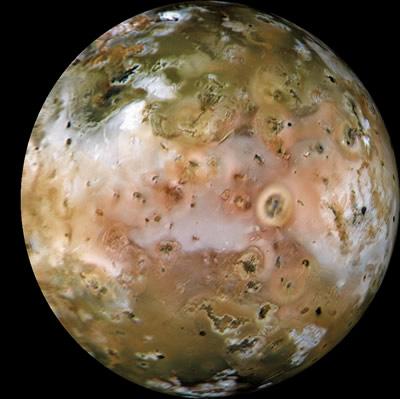 Jüpiter'in Io uydusu..