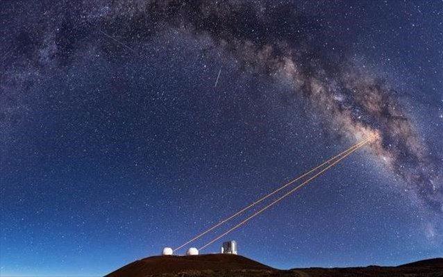 Η ομάδα δεν θα μπορούσε να φτάσει στα συμπεράσματά της αν δεν είχε χρησιμοποιήσει τα δίδυμα επίγεια τηλεσκόπια Keck στη Χαβάη και την τεχνολογία στην οποία αυτά βασίζονται που τους επιτρέπει να «βλέπουν» καλύτερα την περιοχή γύρω από τη μαύρη τρύπα.