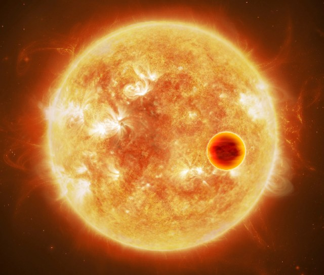 Hot Jupiters Are Massive Gas Giant Planets Circling Their Suns At A Fraction Of The Earth Sun Distance In Our Own Solar System