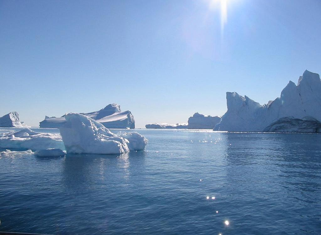 https://i0.wp.com/www.astrosurf.com/luxorion/Sciences/groenland-glacons-icebergs.jpg