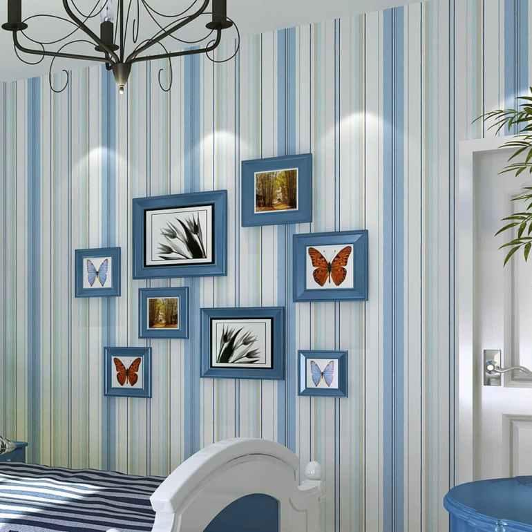 chambre enfant papier peint rayé bleu et blanc
