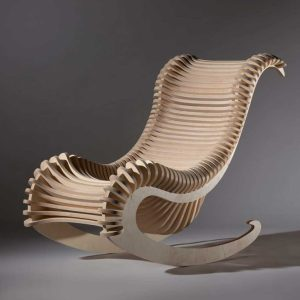 rocking-chair-design-en-bois-à-lamelles-1024x1024