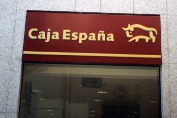 Caja España - CEISS (slide)