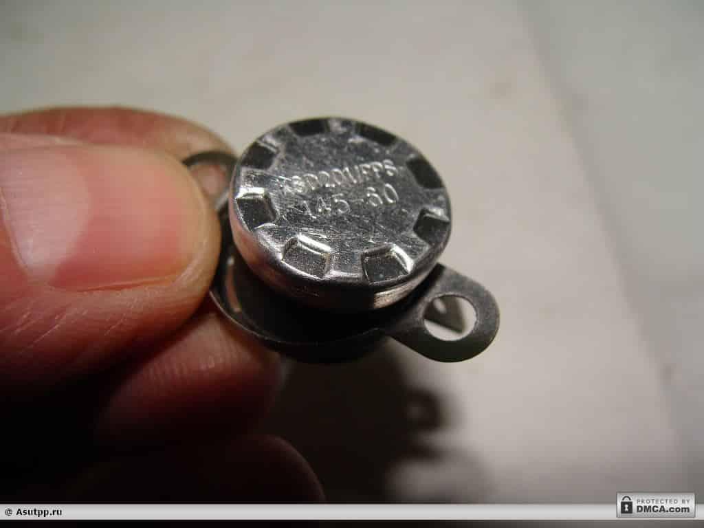 Вышедший из строя термовыключатель микроволновки и его маркировка