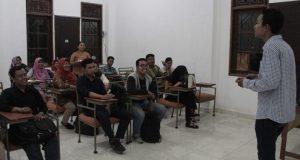 Dosen Asal Bali Mengajar Hari Pertama di ISTNUBA
