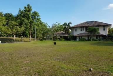 presint 10 bungalow land