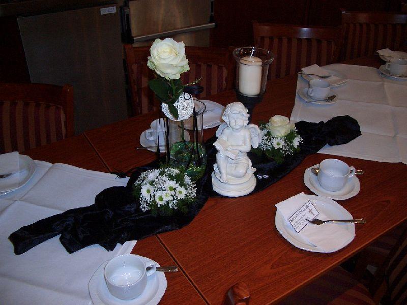 Tischdekoration zur Trauer  AT Deko und mehr