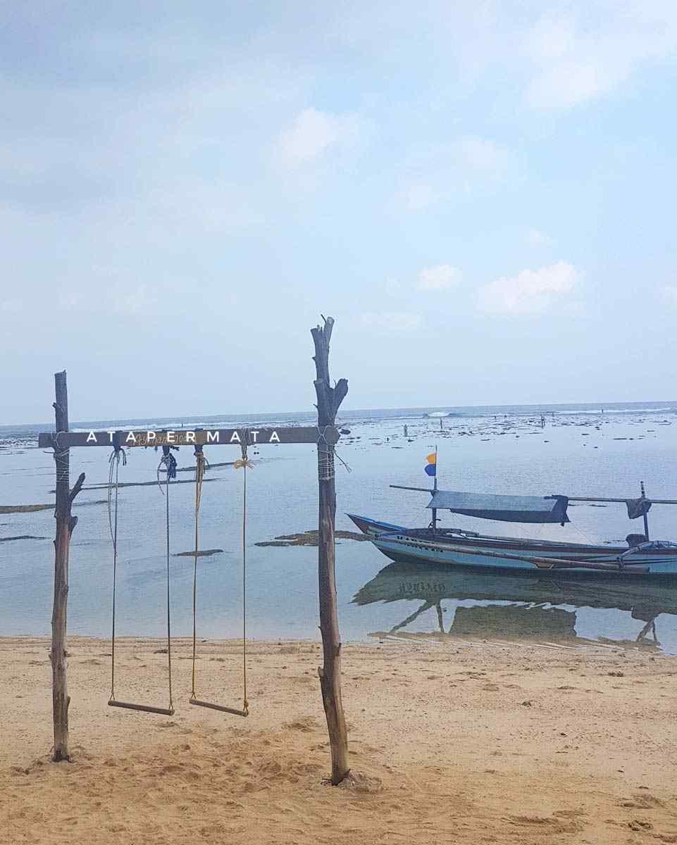 Pantai di Kaur (11)