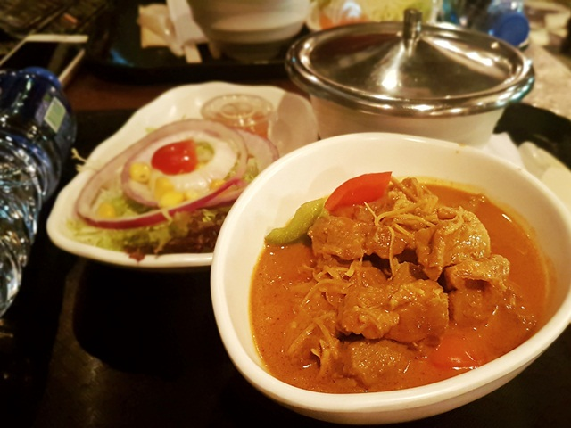 mutton curry with steamed rice
