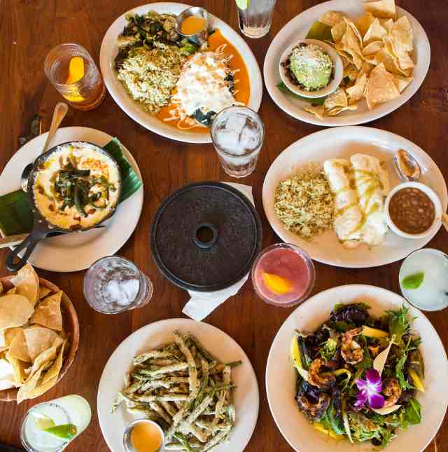 El Monumento, Mexican food