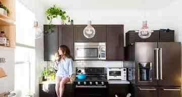 New Kitchen Backsplash & White Walls