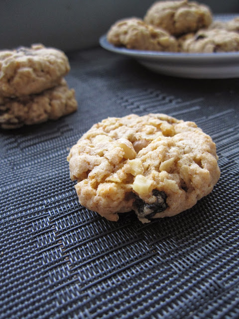 Walnut Oatmeal Raisin Cookies