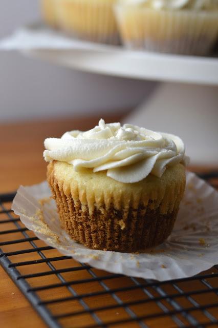 Cookie Bottom Vanilla Cupcakes