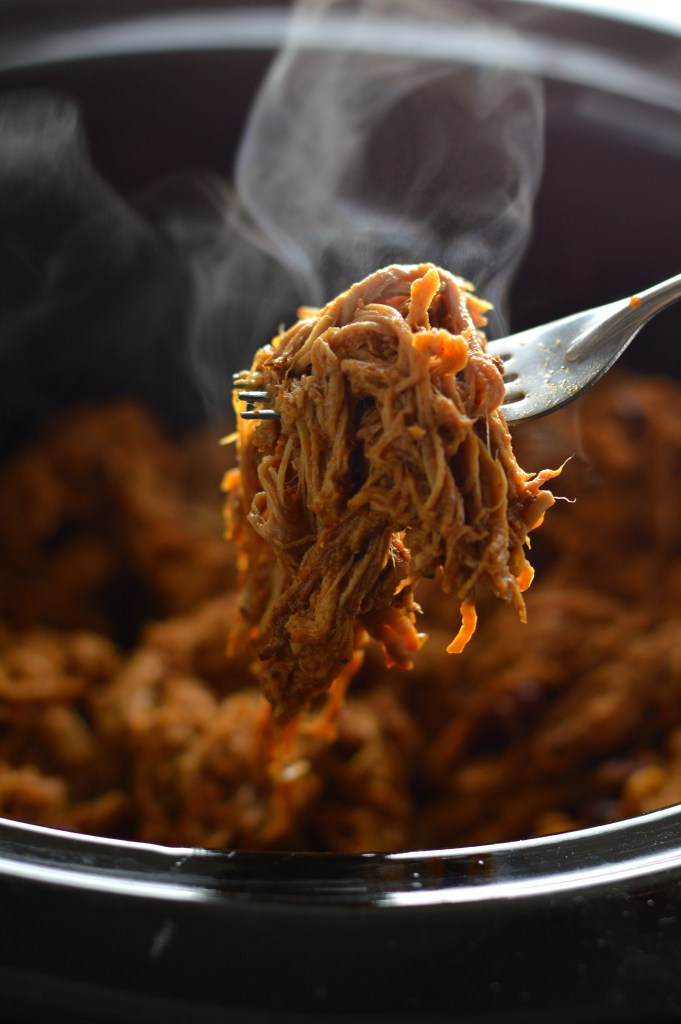 Easy Slow Cooker Pulled Pork recipe is perfect for a weekday dinner. Made with pork tenderloin and kidney beans.