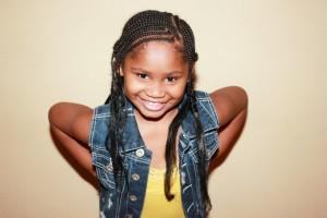 child-with-braids-937658_1920 (800x533)