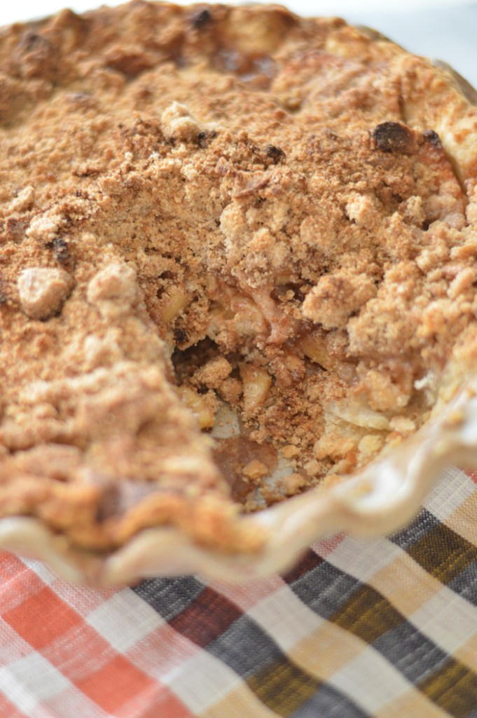 Apple Cinnamon Crumb Pie by A Teaspoon of Home