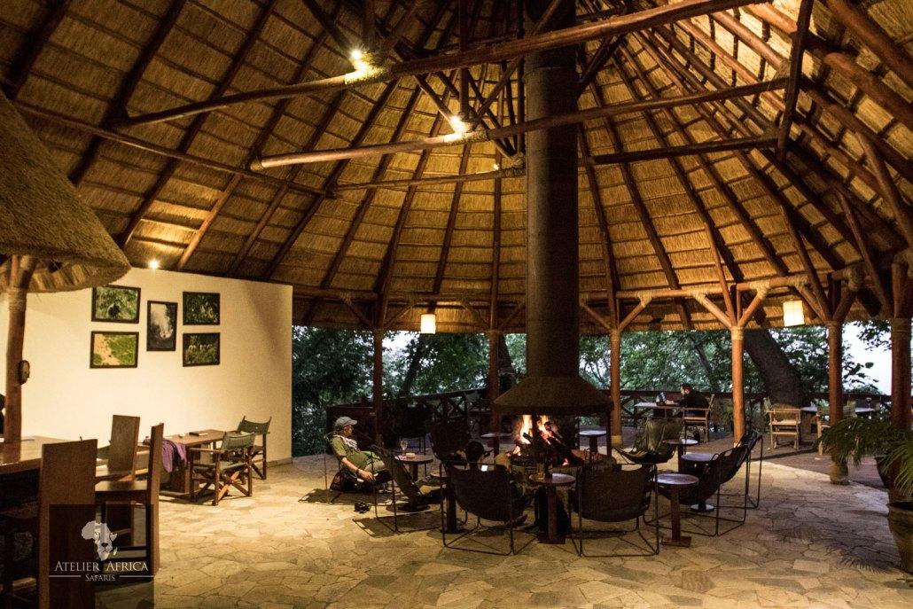 Mikeno Lodge - Congo Safari - Bar