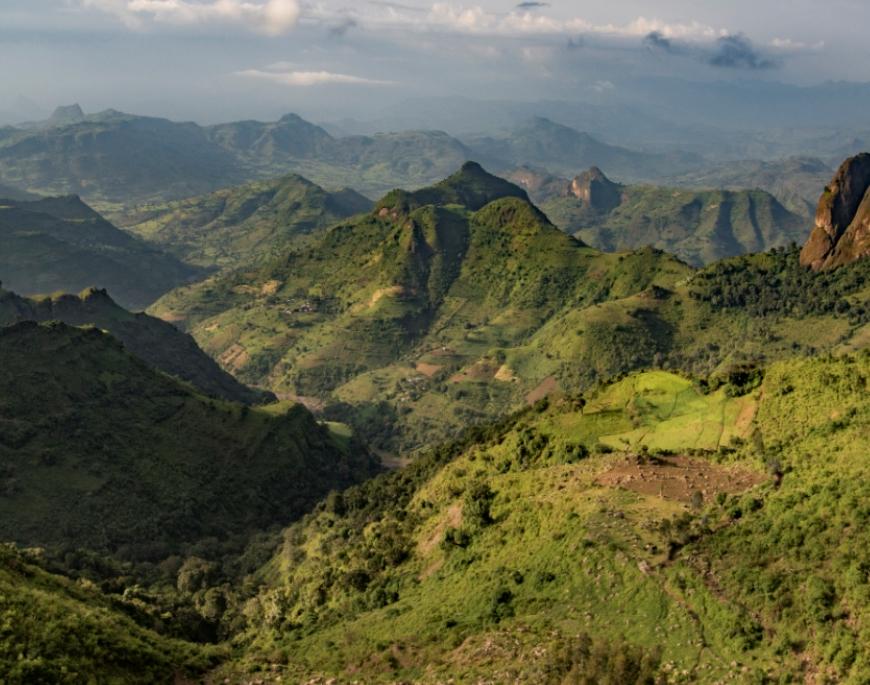 Uitzicht bergen LimaLimo-lodge