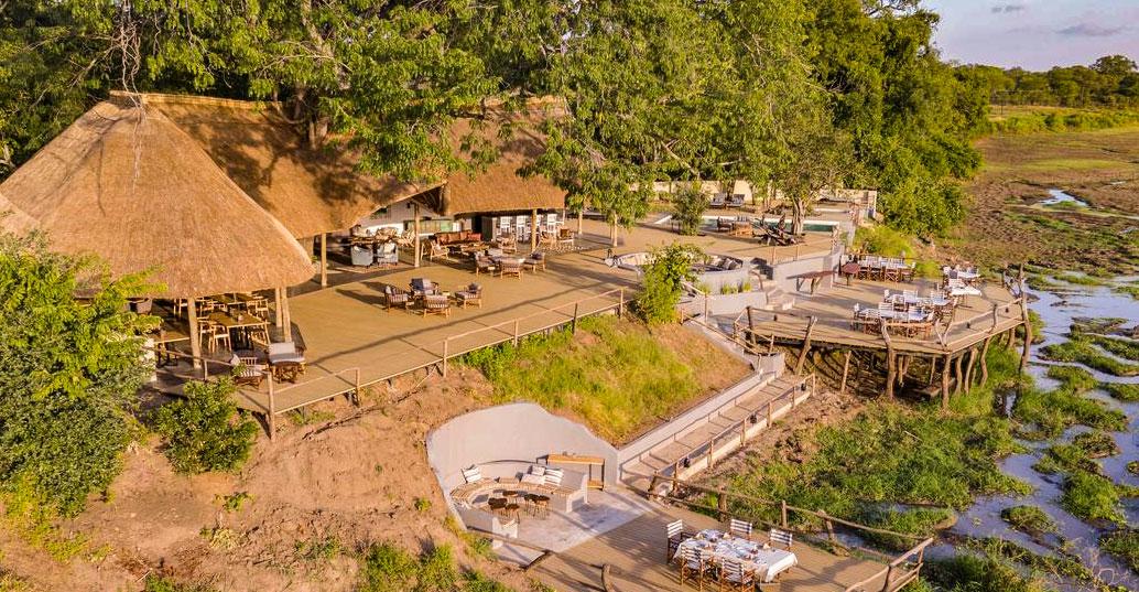 Zambia South Luangwa Kafunta River Lodge