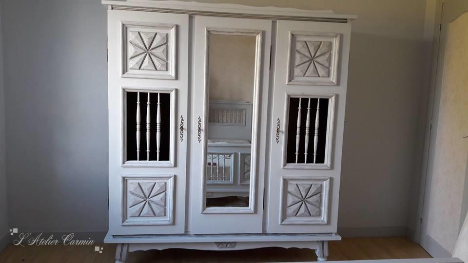 relooking d une armoire dentelle patine