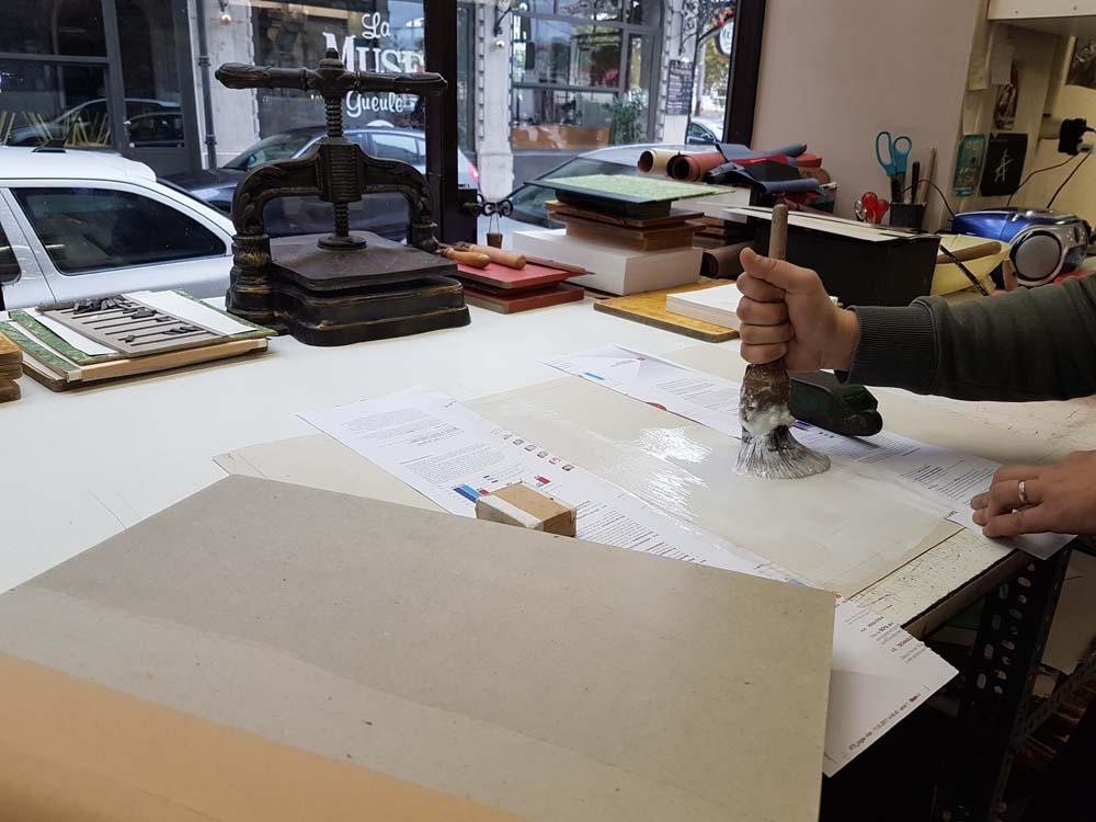 encollage-livre-ancien-atelier-reliure-relieur-geneve